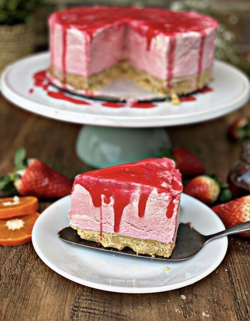 Strawberry cake   Lori's Kitchen