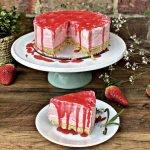 Strawberry Cake | Lori's Kitchen UK